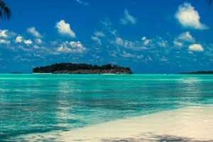 The Conflict Islands group is a little-known ring of 21 coral islands surrounding an astoundingly beautiful lagoon.