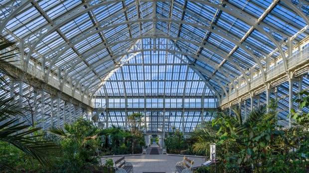 The largest Victorian-era glasshouse in the world: Temperate House, Kew Gardens.