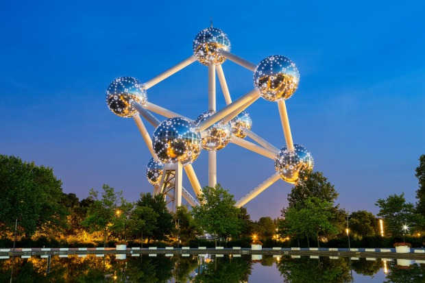 ATOMIUM, BRUSSELS: The modernist Atomium was constructed for the Brussels World Fair in 1958 when the structure of atoms ...