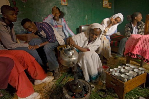 D0F74R Health workers in Ethiopia use culturally appropriate traditions like coffee ceremonies get information out ...