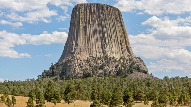 Devils Tower volcanic rock formation, in north-east Wyoming.