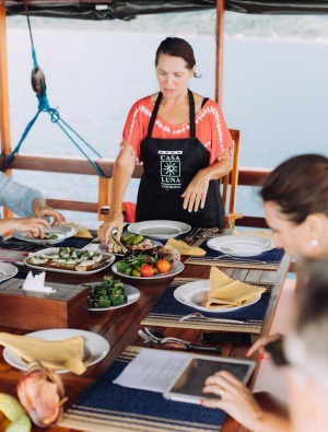 Janet DeNeefe holds a cooking class on board the Kurabesi Explorer.