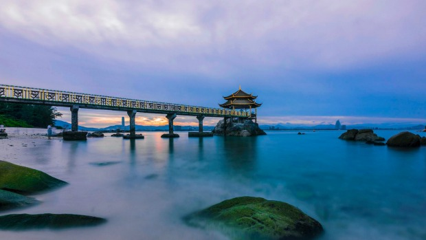 China's largest tropical island boasts all the balmy weather, coconut palms and gold-sand beaches you could ask for.