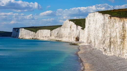 Spectacular views of the coast's chalk cliffs can be found here.