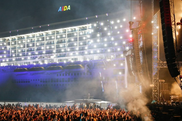 DJ David Guetta performed in front of 25,000 spectators for the launch of AIDAnova.