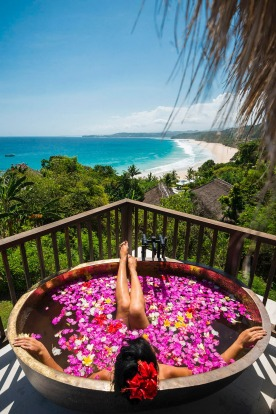 BATHTUB AT NIHI SUMBA Take in expansive views of the Indian Ocean and the sweep of jungle-flanked beach from the private ...