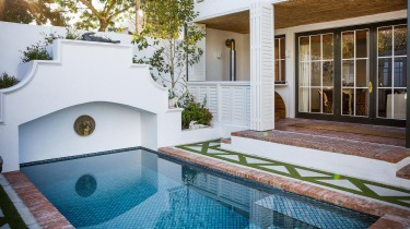 PLUNGE POOL AT THE AKADEMIE STREET BOUTIQUE HOTEL, FRANSCHHOEK The summer heat shimmers in Franschhoek's wide valley, ...
