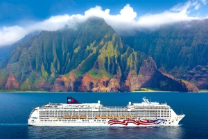 Pride of America Hawaii.