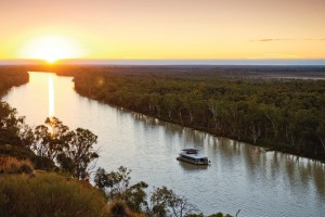 River Murray Houseboats.