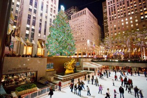 Ice-skating under the Christmas tree at the Rockefeller Centre is a New York tradition.