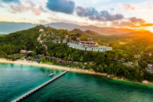 The InterContinental Samui Bann Taling Ngam lays claim to being the first luxury resort on the island of Koh Samui.