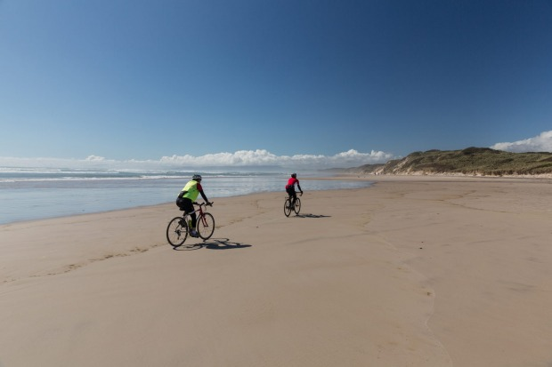 Ocean Beach: Tasmania's longest beach is impressive for its power alone - this is no swimming beach. Stretching more ...