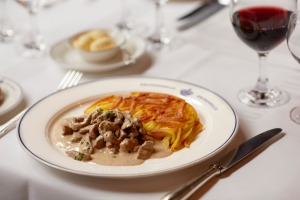 Tender veal and mushrooms with roesti at Zurcher Geschnetzeltes.