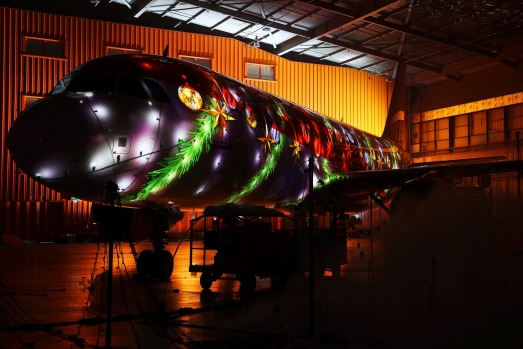 London Luton Airport has used an EasyJet Airbus A320 to create a spectacular Christmas display. 850,000 choreographed ...