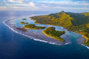 While most visitors to the Cook Islands still to the beaches and lagoons, there's plenty to see in the interior.