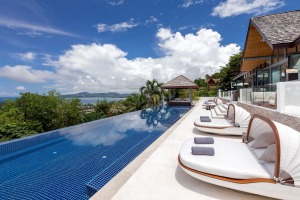 Enjoy a luxury villa, with butler, and get a free $1000 wellness program.