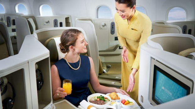 Business class dining on the Vietnam Airlines Boeing 787-9 Dreamliner.