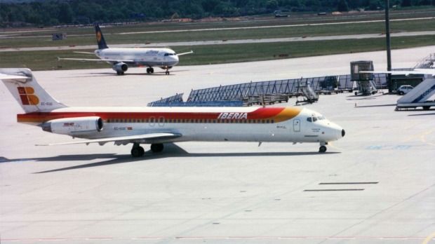 An Iberia McDonnell Douglas MD-87, the same model that has been abandoned at Adolfo Suarez Madrid Barajas Airport.