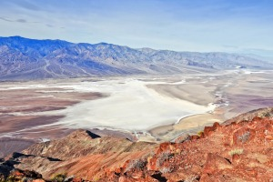 Dante's View delivers dramatic panoramic views of the salt shoreline of Death Valley National Park.