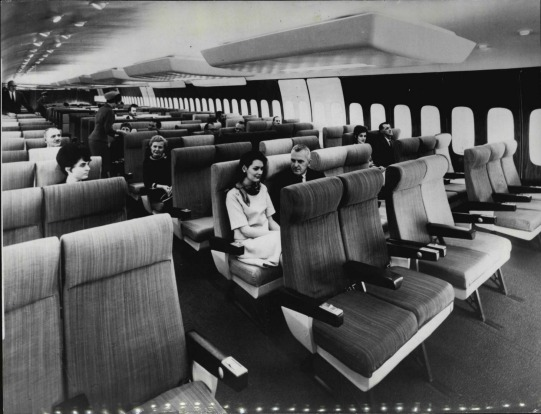When the 747 first launched, its interiors were compared to 'a luxury theatre'.