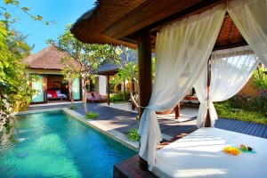 Peaceful indulgence: Private villa with courtyard.