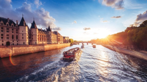Sunset over river Seine in Paris.