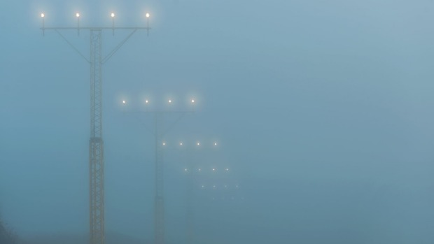 In some cases aircraft can land in zero visibility – but should they?