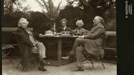 From left: Edvard Grieg, Percy Grainger, Nina Grieg and Julius Rontgen in 1907.