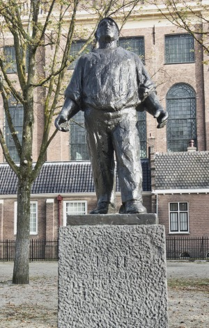 This sculpture in Amsterdam commemorates the bravery of dockworkers striking in protest at deportations of Jews.