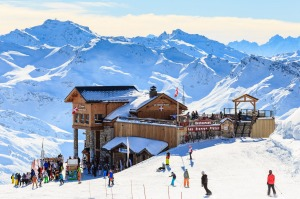 sunmar24traveller1010 Luxury Ski Resorts ; text by Brian Johnston ; Shutterstock *** REUSE PERMITTED ***COURCHEVEL, ...