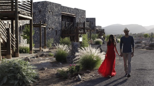 Set on the edge of a cliff, Alila Jabal Akhdar seems to capture the levitating rose essence as it floats heavenwards.