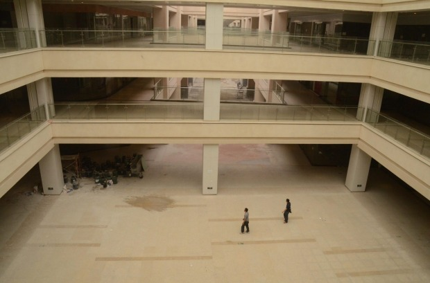 New South China Mall, Dongguan: In terms of gross leasable area, this is the largest shopping mall in the world. But it ...