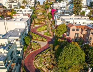 Lombard St is often clogged at either end with tourists taking pictures.