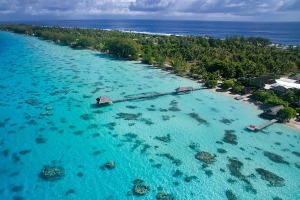 Visit Fakarava in French Polynesia with Latitude 33.