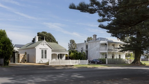 Drift House in Port Fairy has added a cottage to its bluestone building suites.