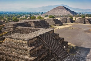 Arrive early to beat the crows at the Teotihuacan pyramids.