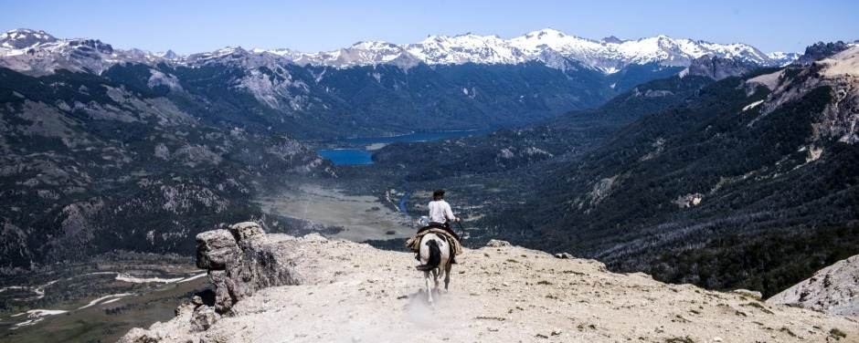 Riders must have complete faith in their horses across the Pass of Tears.