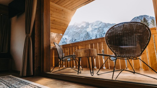 The hotel is built of native natural materials – mostly local larch and spruce.
