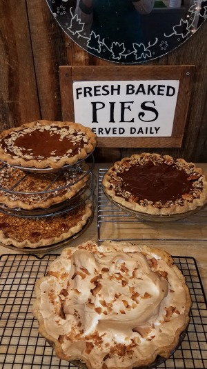Pies sell out daily, so smart travellers phone ahead.