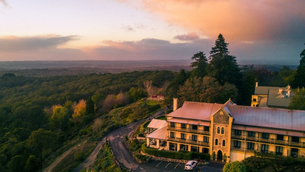 The grand Mount Lofty House.