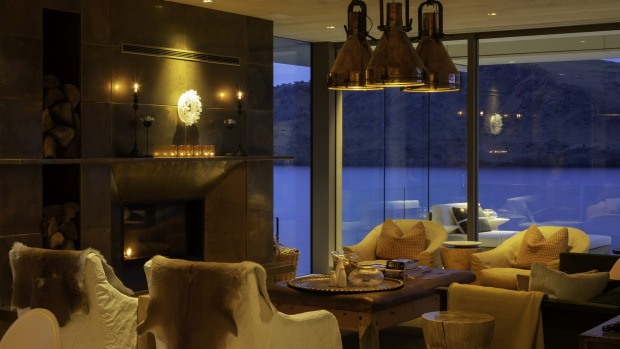 The interiors at The Elms on Lake Hayes were created by Auckland's Virginia Fisher, who also fitted out Huka Lodge.