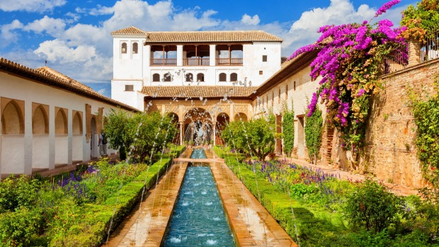 The Generalife with its famous fountain and garden.