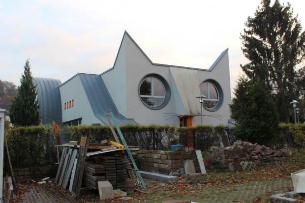 Designed by artists Tomi Ungerer and Ayla Suzan Yöndel, there's also a classroom in the belly.