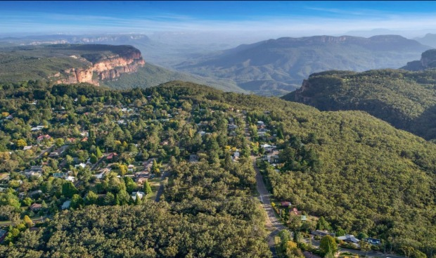 Leura, NSW: Leura has plenty of the natural majesty that the Blue Mountains region is known for. The Gordon Falls ...