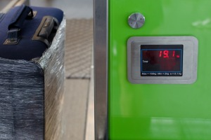 luggage scales airport