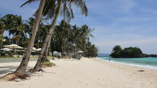 The beach at Mövenpick Resort Boracay.