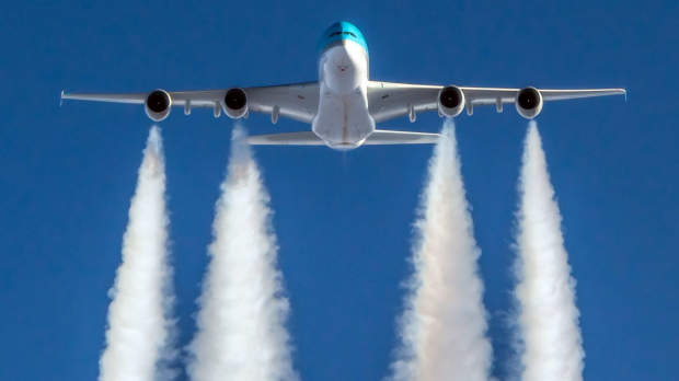 'Flight shaming' movement to cut carbon emisssions only working in one country, stats show