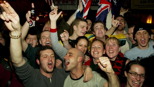 Australian rugby fans celebrate at the Walkabout in 2003.
