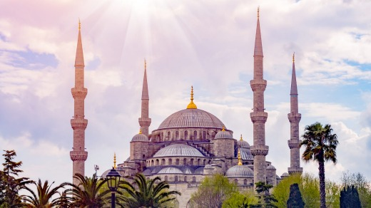 The Blue Mosque (Sultanahmet Camii), one of Turkey's most superb buildings.