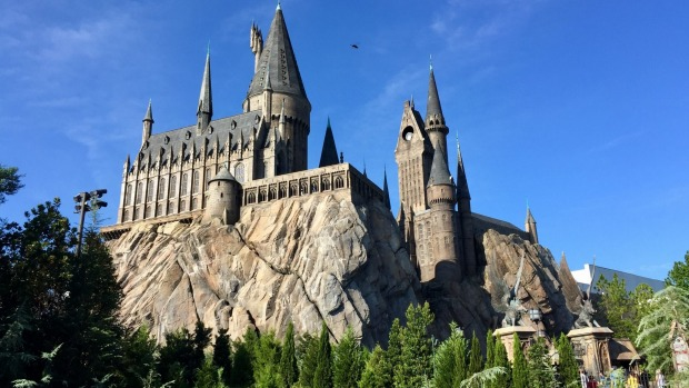 The Wizarding World of Harry Potter, Kennedy Space Centre and Epcot are near which US city?